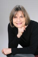 Aline Helg